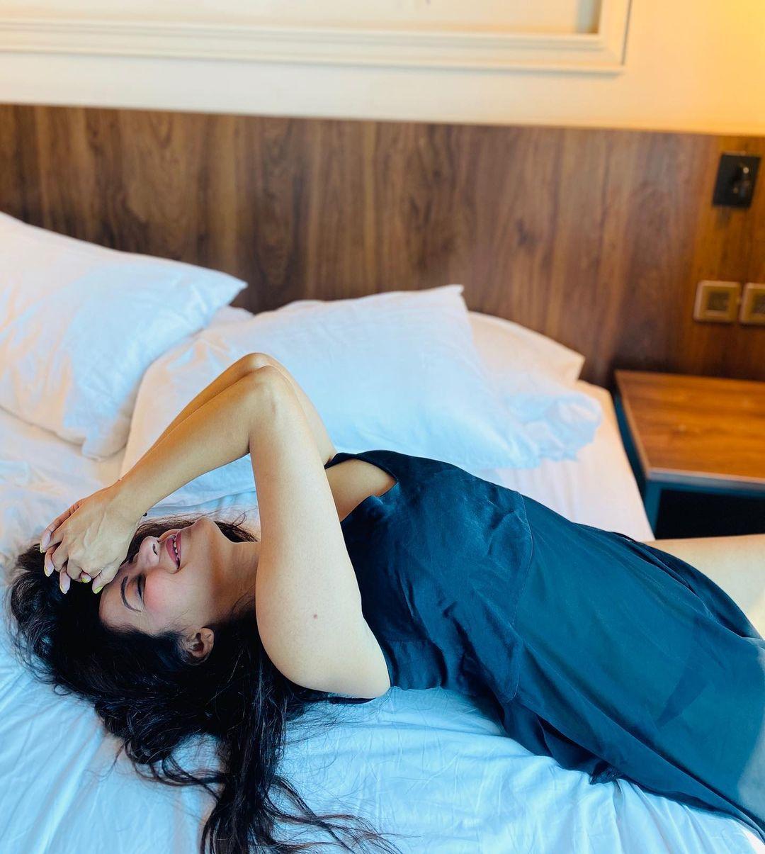 Monalisa Bedroom private Photos